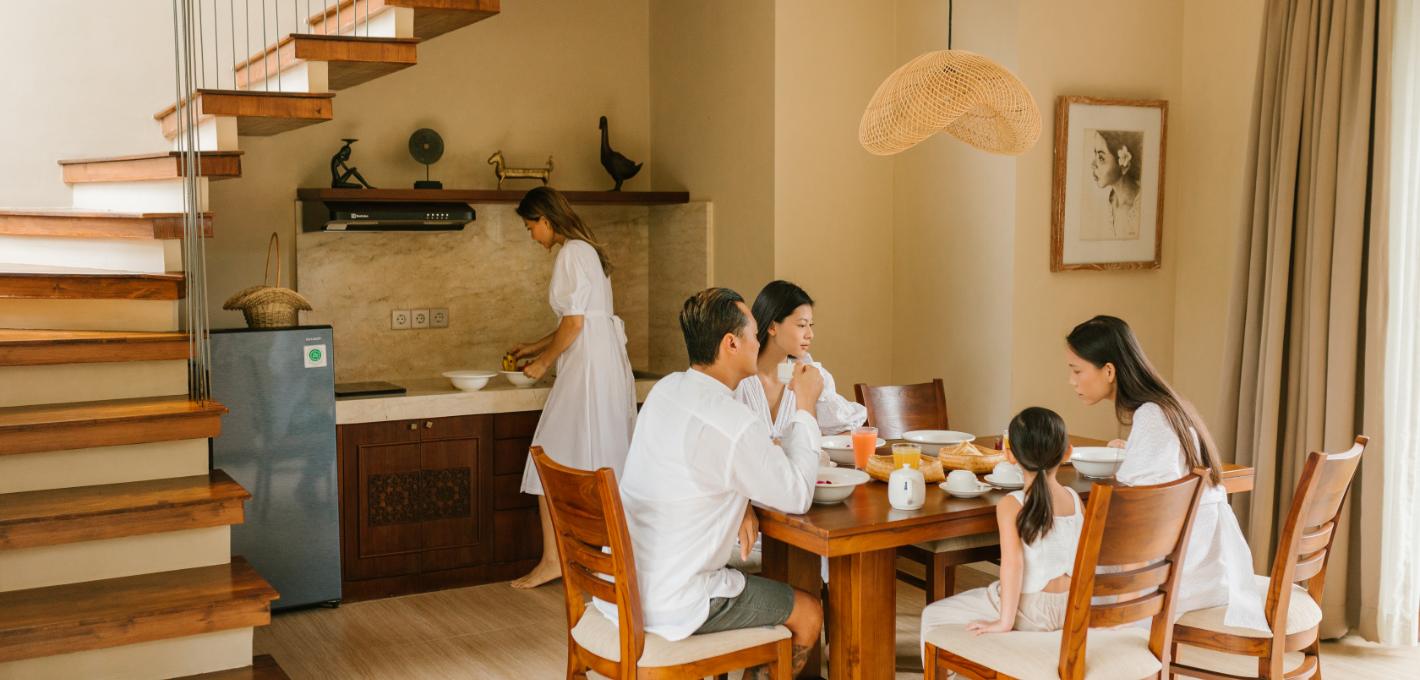 Group dining setting | 3 Bedroom Pool Villa Stanagiri Retreat Ubud Bali