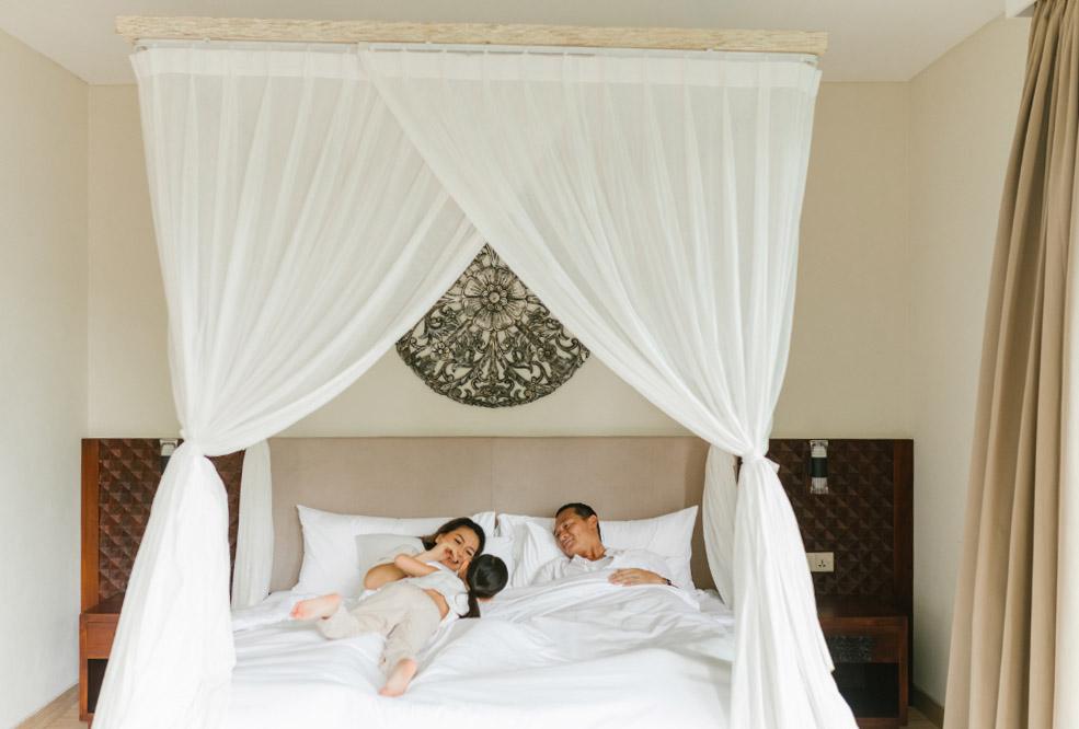 The average room rate for 3 Bedroom Pool Villas in Ubud is 10 Juta Rupiah per day.